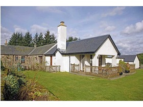 Carrot Farmhouse, Eaglesham, G76 0PN