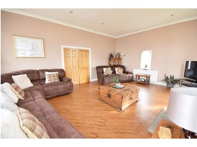 Hunterlees Gardens, Strathaven, ML10 6GE