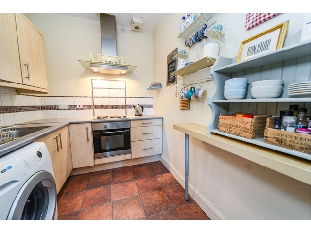2 bedroom flat for sale, Dunedin Street, Broughton ...