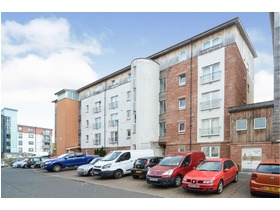 Albion Gardens, Easter Road, EH7 5QL