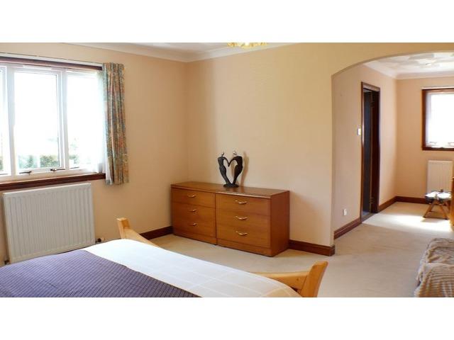 5 bedroom bungalow for sale eagles nest horsleyhead for Schedule j bedroom description