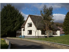Torphins, Banchory, AB31 4LL