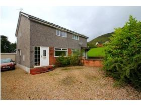 Kingseat Drive, Tillicoultry, FK13 6RE