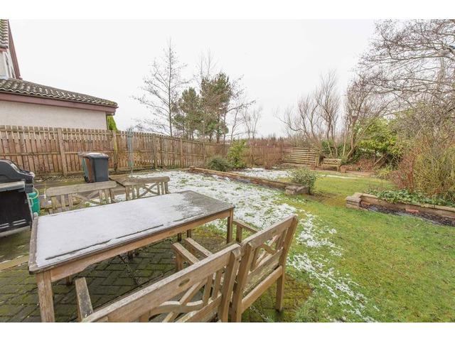 4 bedroom house for sale bankton drive bankton livingston west lothian eh54 9eh 218 000