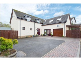 Lang Court, Glassford, ML10 6AY