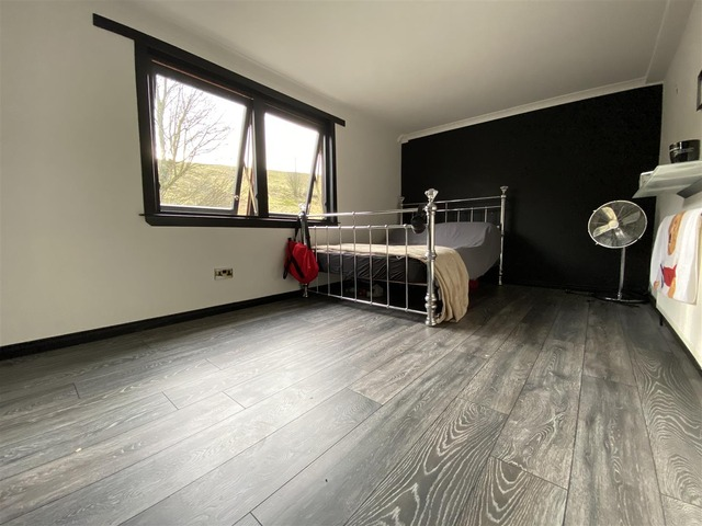 4 Bedroom House For Sale Airdrie Road Caldercruix