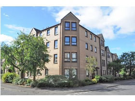 Flat 3, 4  Crosslet Road, Dumbarton, G82 2ES