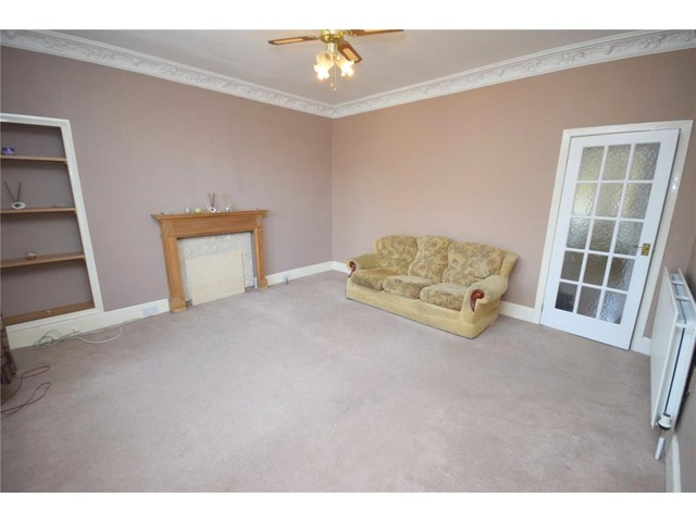 2 bedroom flat for sale provost road strathmartine for Schedule j bedroom description