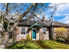 Waterside Cottage, West Huntingtower, Perth, PH1 3JT