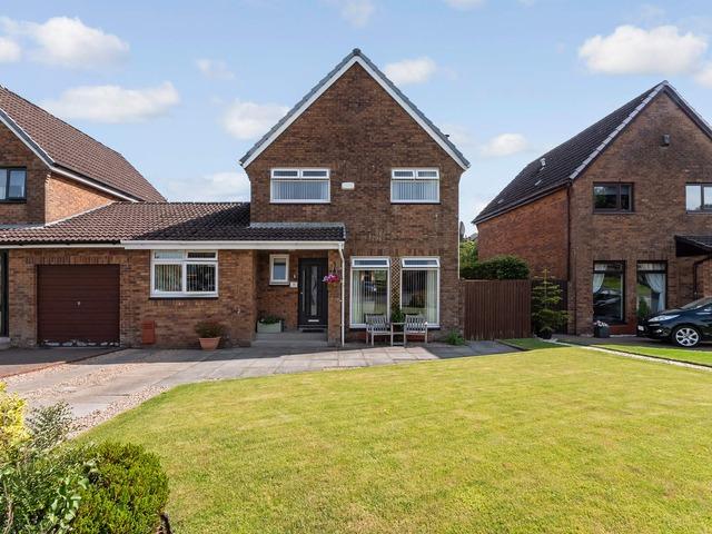 4 Bedroom House For Sale Barbours Park Stewarton Kilmarnock Ayrshire East Ka3 5hs 220 000