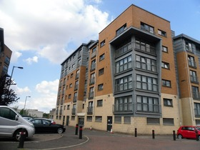 BARRLAND COURT, Pollokshields, G41 1AL