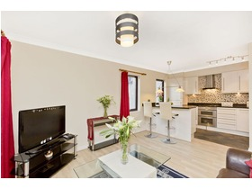 7/5 Sandport, The Shore, EH6 6PL