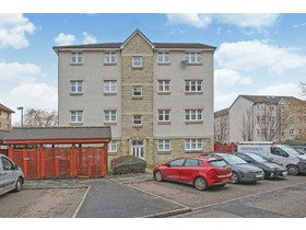 16/8 Springfield Lane, Leith, EH6 5EE