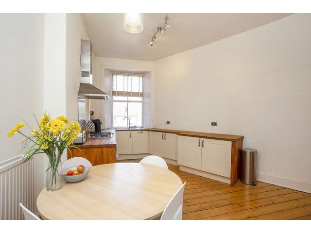 2 bedroom flat for sale, 4/6 Morningside Drive ...
