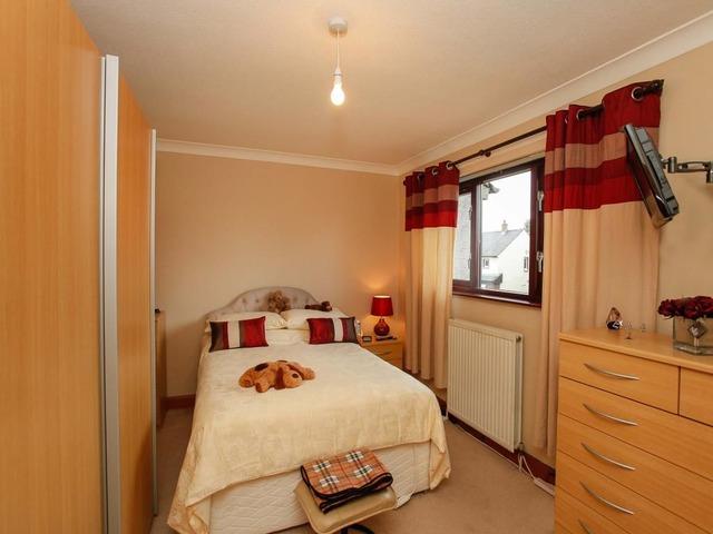 2 bedroom house for sale mossvale lochmaben lockerbie for Schedule j bedroom description